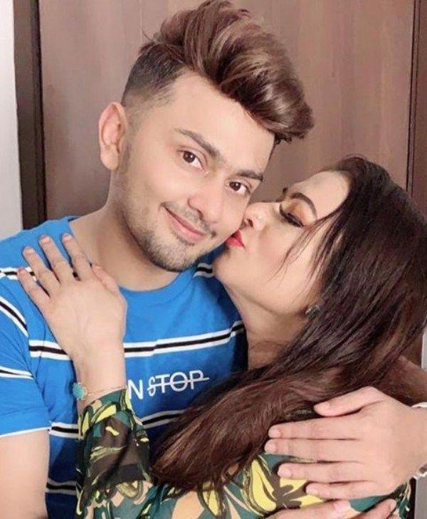 Awez Darbar Girlfriend