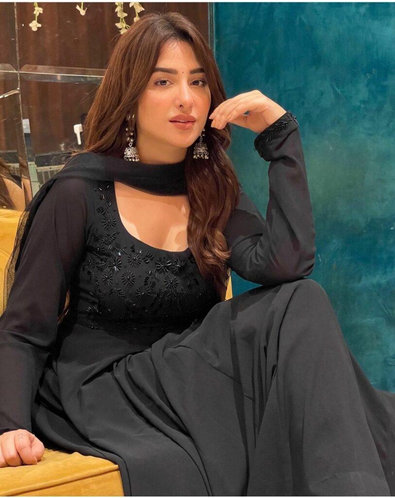 Mahira Sharma Net Worth